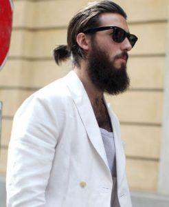 hipster la barba incolta