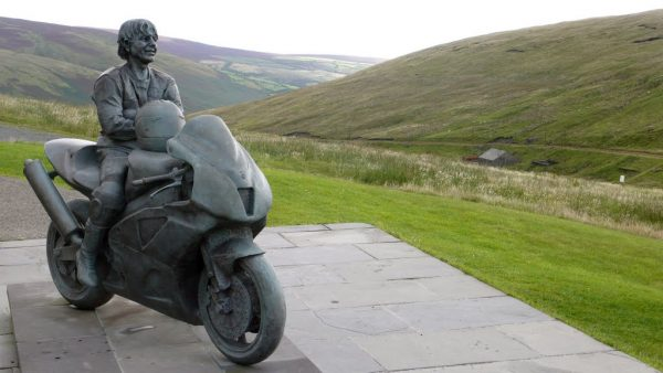 isle of man statua